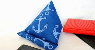 iPad Stand Anchor Tablet Pillow Fabric Holder Book Open Cushion Mobile Phone Rest Gift for Teen Girl Boy Woman Retirement Service Accessory